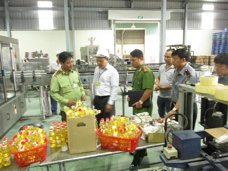 Cơ quan chức năng kiểm tra cơ sở sản xuất kinh doanh thực phẩm