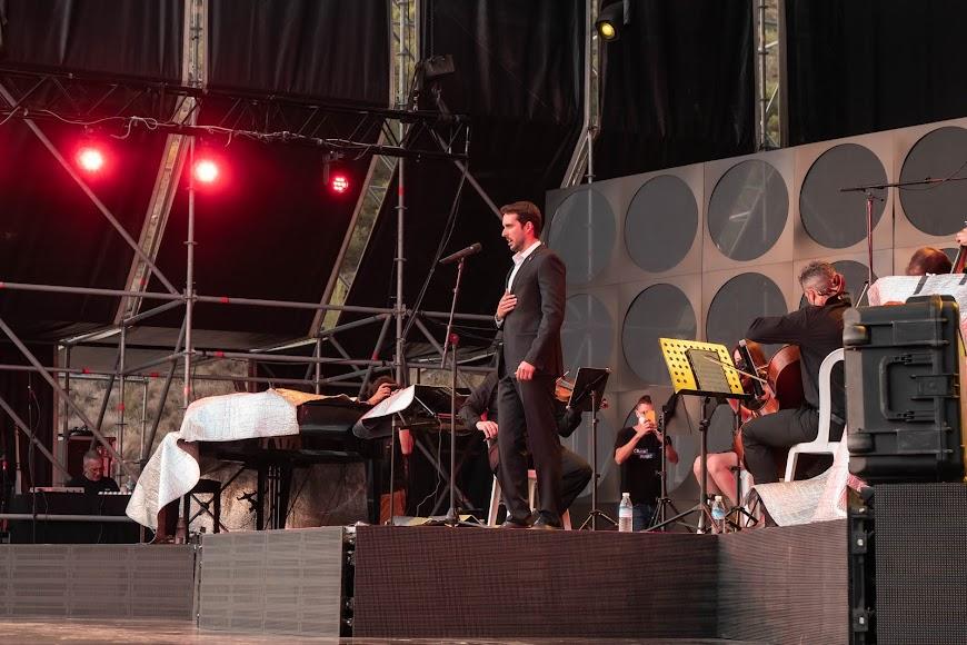 Juan de Dios Mateos sobre el escenario del Marble Music Fest