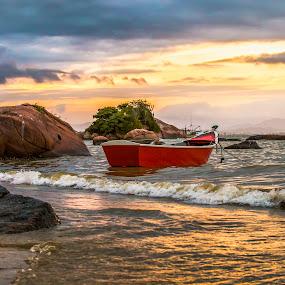 by Rqserra Henrique - Landscapes Beaches ( clouds, brazil, wave, rqserra, beach,  )