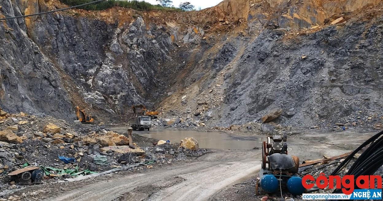 Việc khai thác đá tại mỏ đá Tân Thắng còn tiềm ẩn nhiều nguy cơ mất an toàn lao động