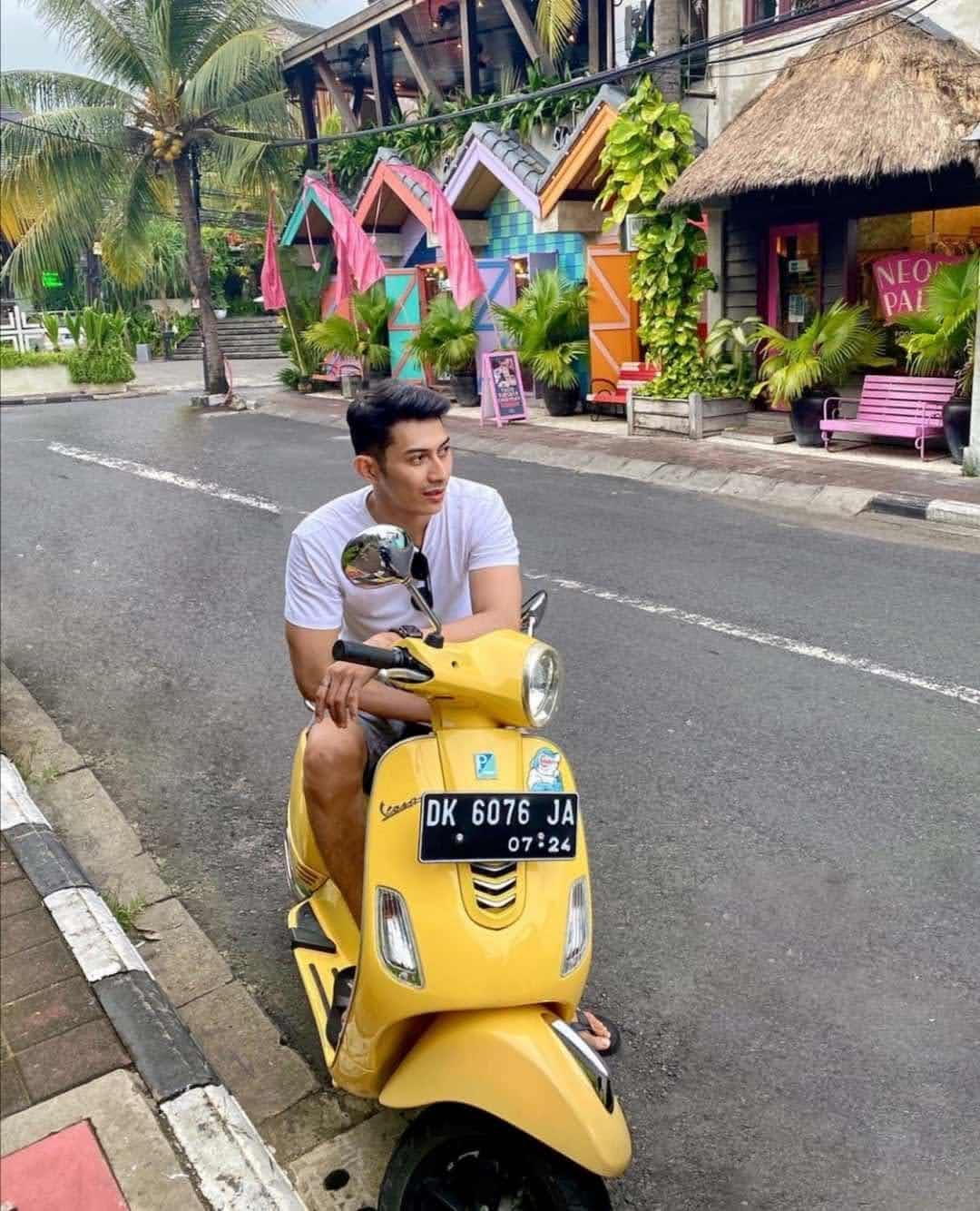 Neon Palms Bali