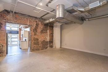 Go to Luxury Studio (LB) Floorplan page.