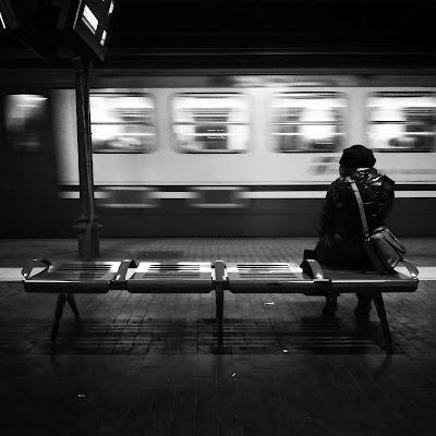Mentre il treno va via...  di Alexphoto