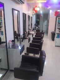 Z R Unisex Salon photo 1