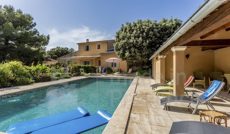 Maison avec piscine La Motte-d'Aigues
