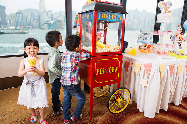 Party Popcorn Machine - Throwing A Children's Birthday Party - motherdistracted.co.uk