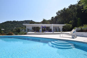 Villa 7 pièces 297 m2