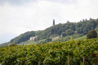 Photo: Udsigt fra sognekirken i Eibingen til Niederwalddenkmalet