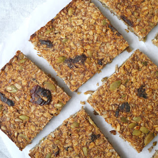 Easy Banana Bread Granola Bars
