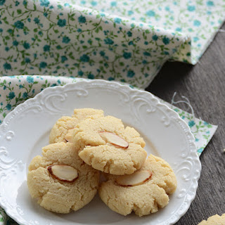 Vanilla-Almond Shortbread Cookies