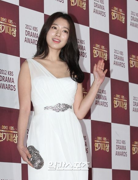 shinhye gown 27