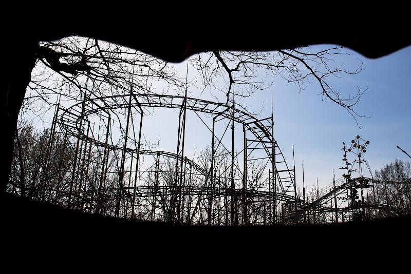Ciò che resta del parco abbandonato. di borik57