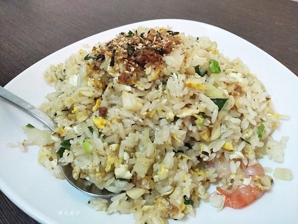 台中小吃 饕之鄉 李姐的店~小籠湯包、麵食、炒飯通通有的傳統好味道 從午餐到宵夜都吃得到