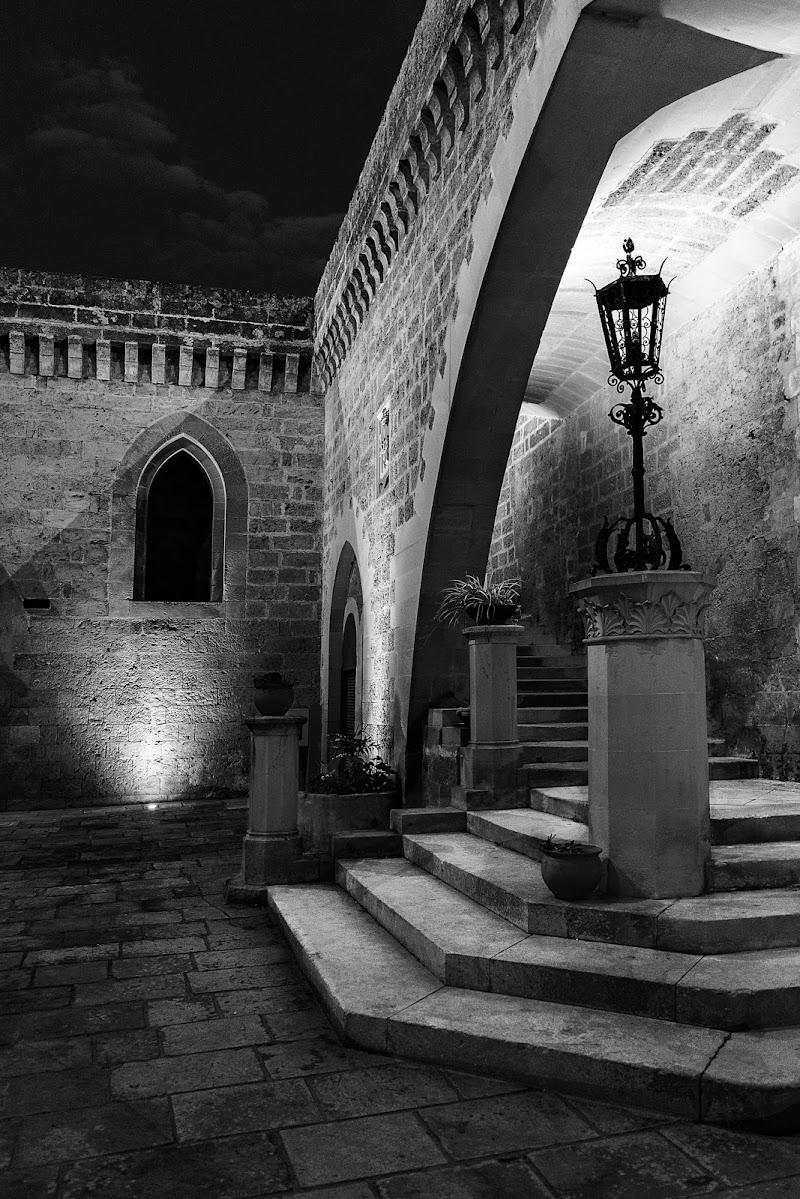 Le scale dell'antico castello di monkeyc