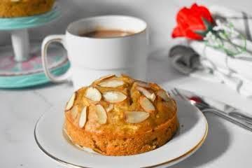 Parveen's Kitchen || Healthy Almond Apple Snack Cake