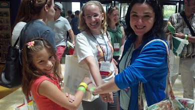 Photo: Showing off their green bracelets with Kelly Kunik and Sara Nicastro!!!!!!