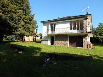 maison à Meilhards (19)