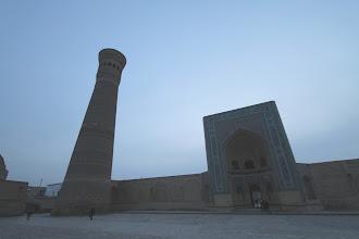 Photo: Viena jaukiausių ir gražiausių mūsų matytų mečečių (Pоi Kаlоn).  Probably one of the coziest and nicest mosques ever (Pоi Kаlоn).