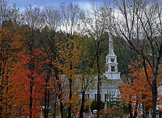 New England Fall di Bond