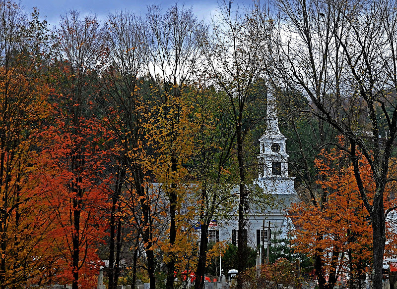 New England Fall di Bond