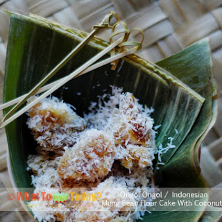 ONGOL ONGOL / INDONESIAN MUNG BEAN FLOUR CAKE WITH COCONUT (About 6-8 serving as dessert)