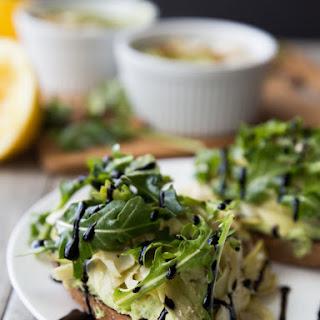 Open-Faced Lemon Pepper Artichoke and Arugula Sandwiches