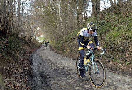 5 tips om makkelijker over kasseien te fietsen (de handleiding voor niet-wielrenners)