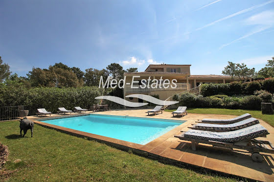Vente villa 7 pièces 284 m2