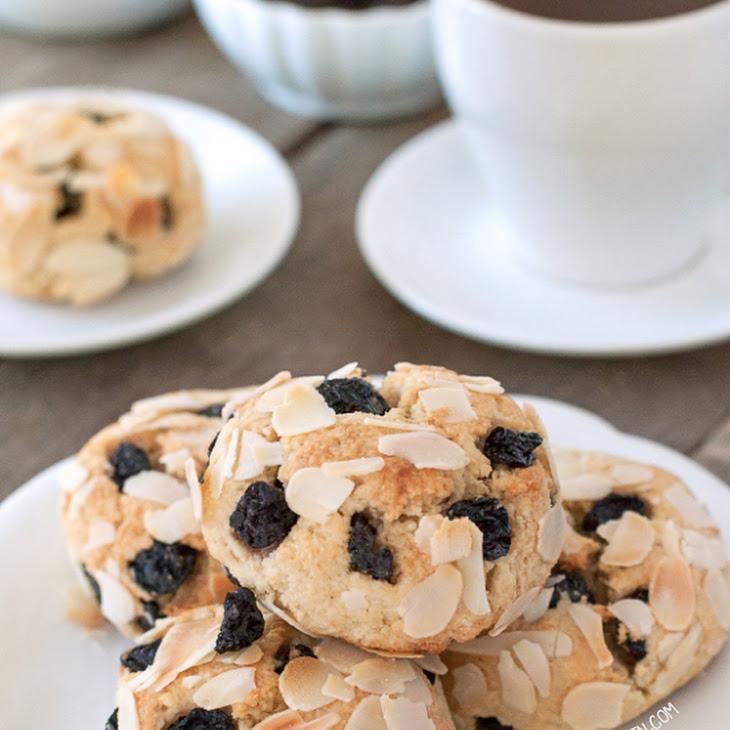 Paleo Blueberry Scones (grain-free, gluten-free, dairy-free, naturally sweetened)