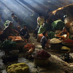 Traditional Market in Indonesia by Basuki Mangkusudharma - City,  Street & Park  Markets & Shops ( market, traditional, indonesa )