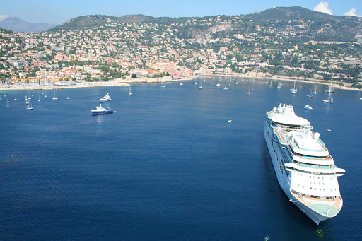 France-Villefrance-sur-Mer.jpg - The beautiful town of Villefranche sur Mer is a suburb of Nice, France.