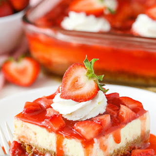 Easy Strawberry Cheesecake.