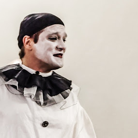 Pierrot by Ana Paula Filipe - People Musicians & Entertainers ( drama, white, theater, pierrot, mascara )