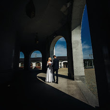 Wedding photographer Dmitriy Shumeev (wedmoment). Photo of 20.02.2018
