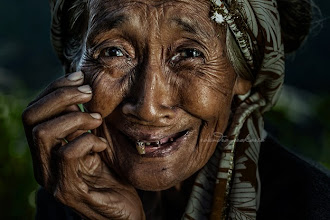 Photo: Keep smiling! Lady from Ubud