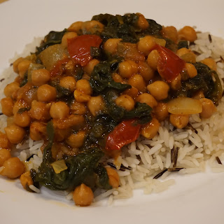 Super Easy Vegetarian And Vegan Chickpea And Spinach Curry Recipe