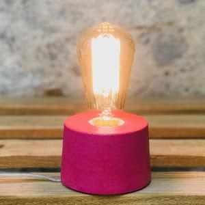 lampe béton design rose fuchsia