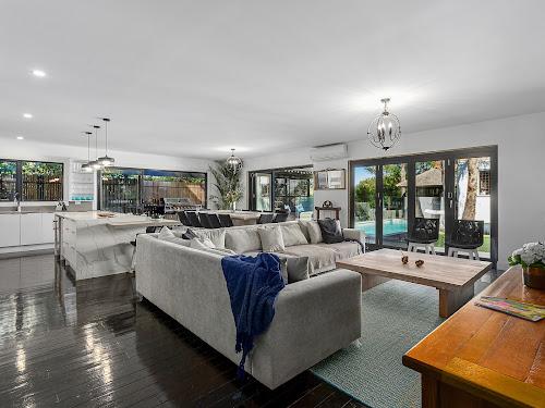 Photo of property at 2 Amelia Avenue, Mornington 3931