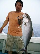 Photo: 今度はカンパチ! 3.3kgです。 丸々と太ったカンパチです。 釣り人も丸々太ってます。
