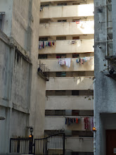 Photo: 晾衫 Drying their clothes