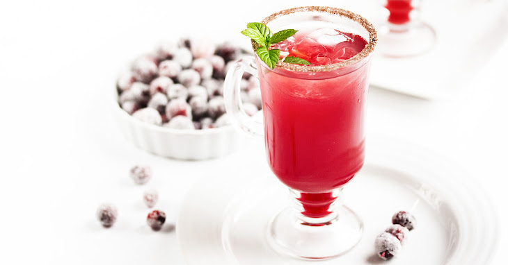Cranberry Ginger Fizz Cocktail Recipe