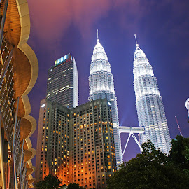 Twin Tower by Mulawardi Sutanto - Buildings & Architecture Office Buildings & Hotels ( petronas, twin rower, malaysia, travel, kl )