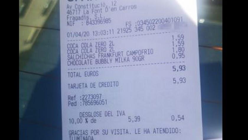 Captura de pantalla de la imagen publicada en Facebook del ticket de compra.