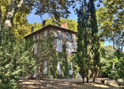 Фамильное поместье Жас де Буффан