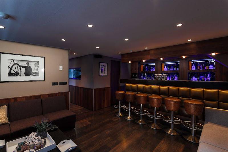 Bar & zaal