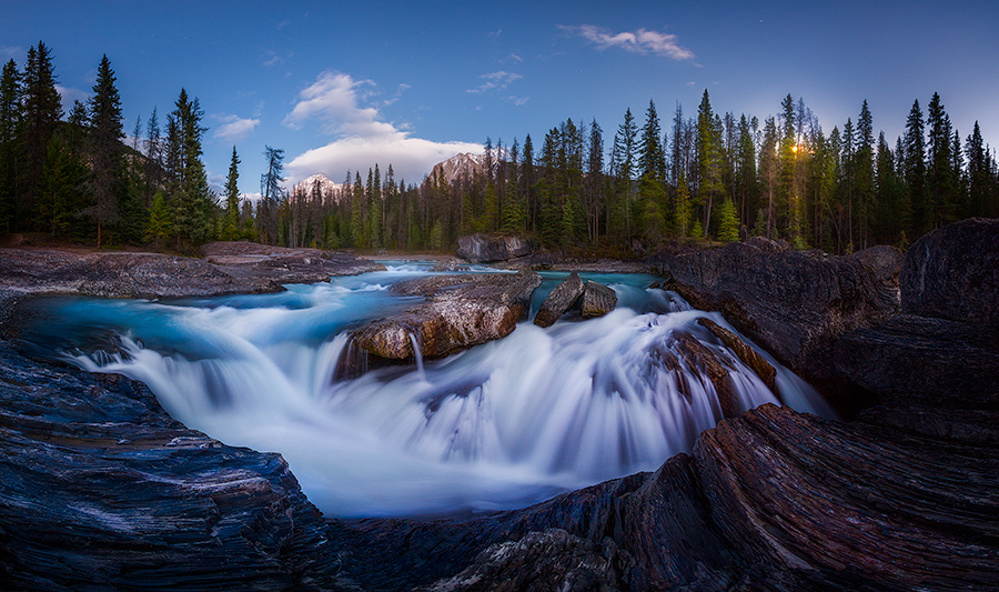 Photo: An iconic location in Yoho National Park, but all the tourists had gone by the time the moon was rising.  This is an 8 shot pano with my fisheye.