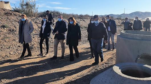 Arrancan las obras para agrupar los vertidos de once barrios de Níjar