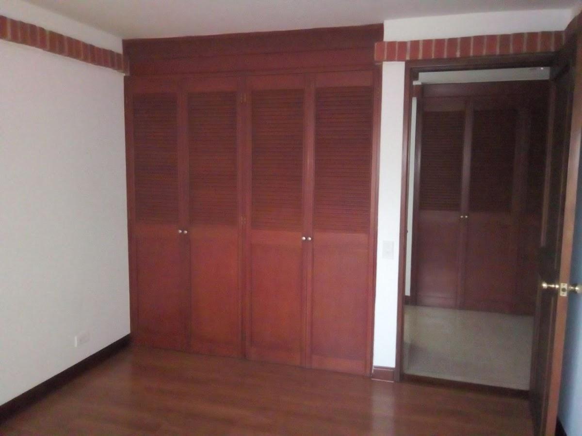 apartamento en arriendo poblado 472-136