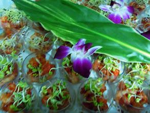 Photo: Cassolette de ouassous sur lit de tomates