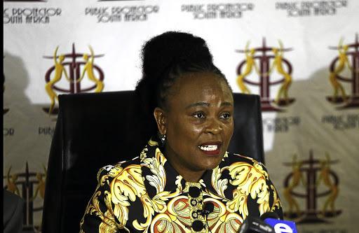 Beskermer Busi Mkhwebane maak Bathabile Dlamini skoon - SowetanLIVE